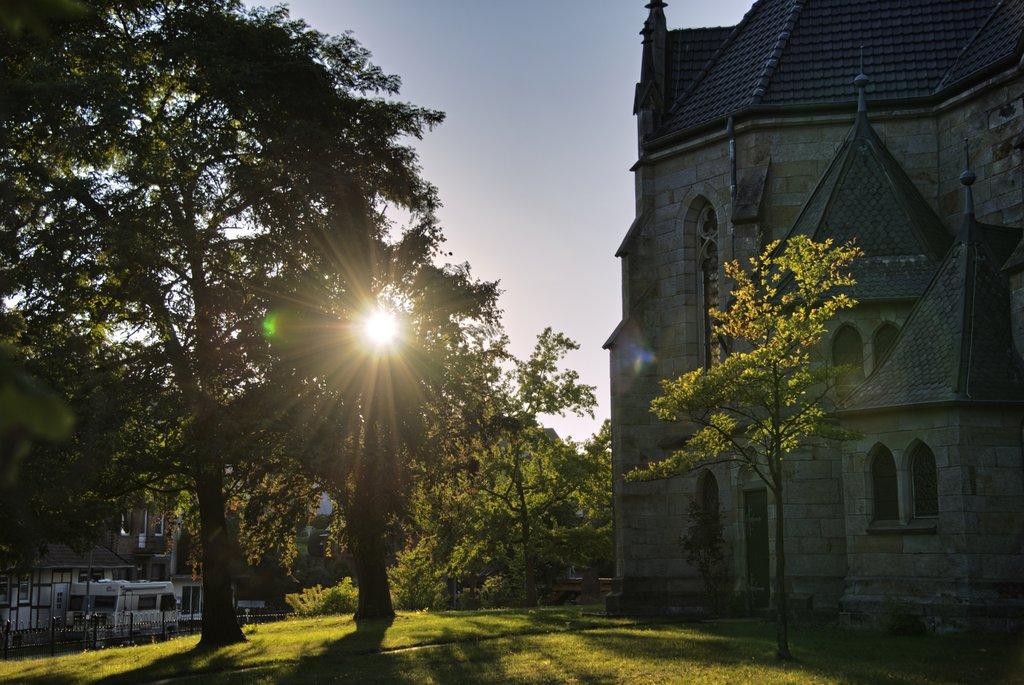 Sonnige Kirche Im Dorf