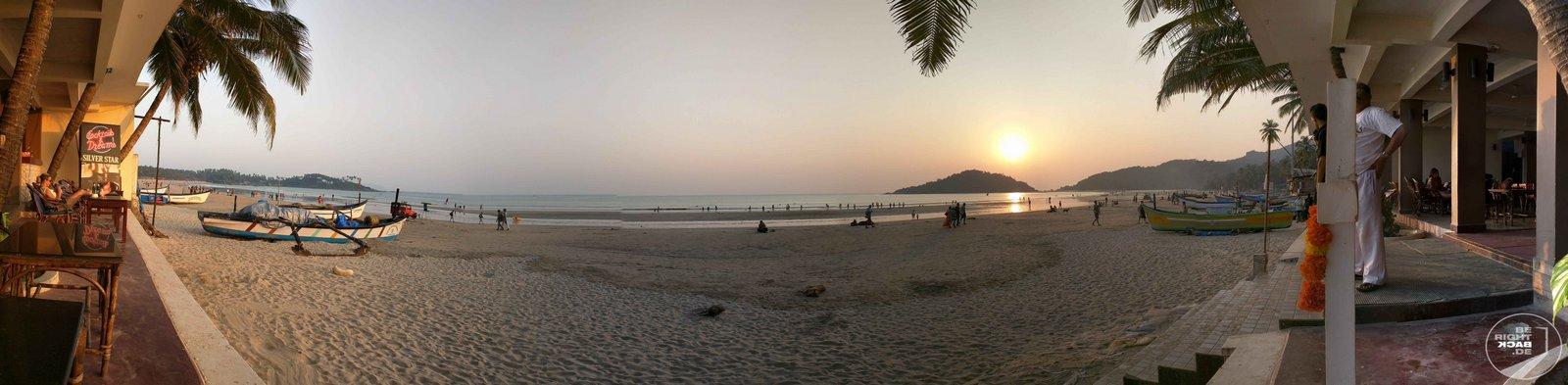 Goa Sonnenuntergang am Strand Panorama