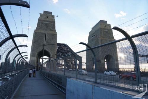 Auf der Harbour Bridge