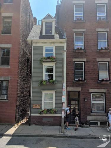 Boston Skinny House