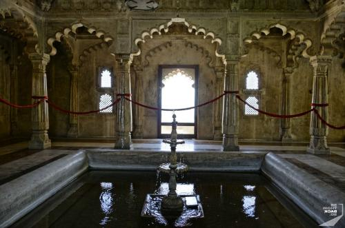 Udaipur City Palace Brunnen
