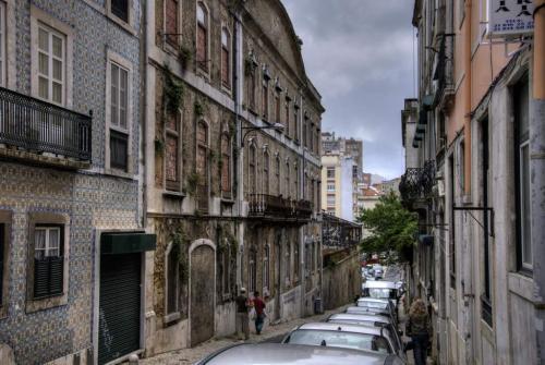 In Lissabon werden gefährdete Gebäude zugemauert