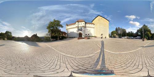 Annecy Chateau Platz