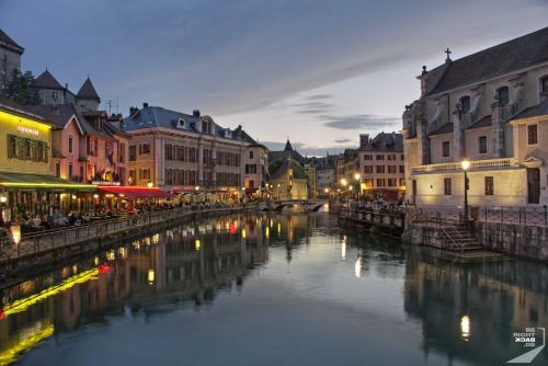 Annecy Quai LIlle Nacht