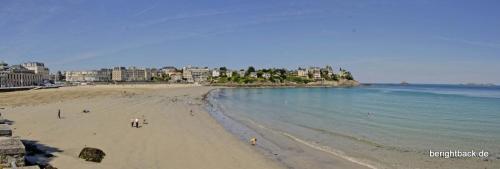 Dinards endloser Strand