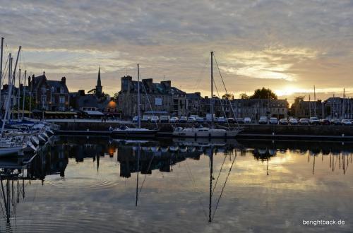 Bretagne Paimpol Hafen Sonnenuntergang