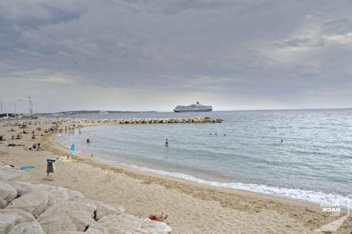 Strand vor Cannes