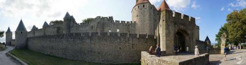 Carcasonne Stadtmauer von Aussen