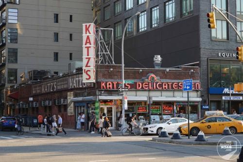 Katz Delicatessen - New York