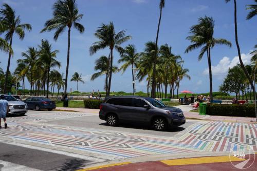 Miami - Regenbogen Zebrastreifen