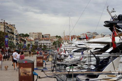Cannes Luxusyachten