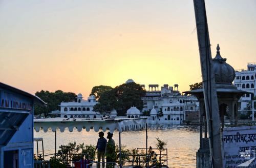 Udaipur Ufer Sonnenuntergang