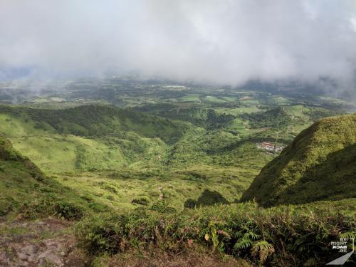 Blick runter am Mount Pelée