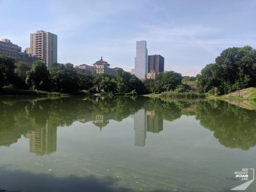 Central Park - The Lake Skyline