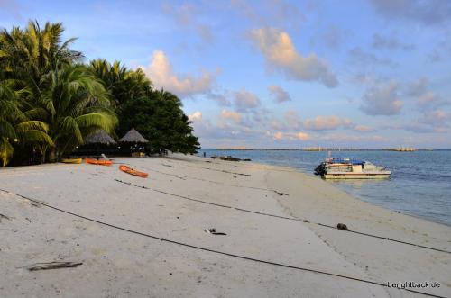 Pulau Mabul Beach Before Sundown
