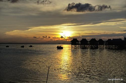 Pulau Mabul Jetty Sundown