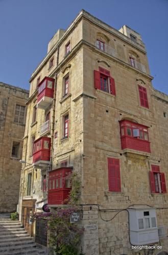 Valletta rote balkone