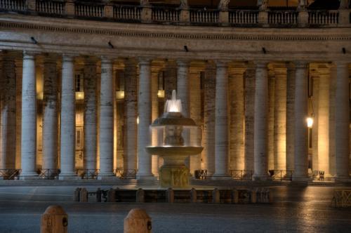 Brunnen vorm Petersdom