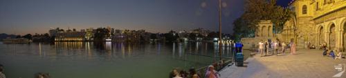 Udaipur Ufer bei Nacht