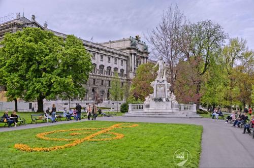 Wien Mozart Statue