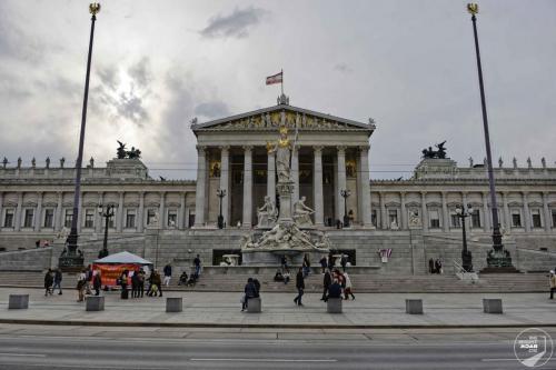Wien Parlament Front