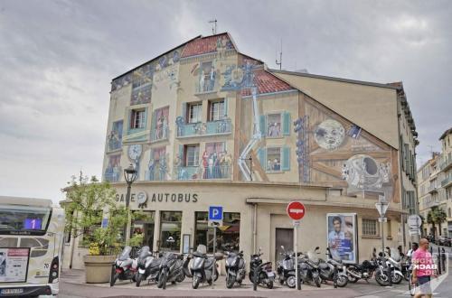 Wandgemälde in Cannes
