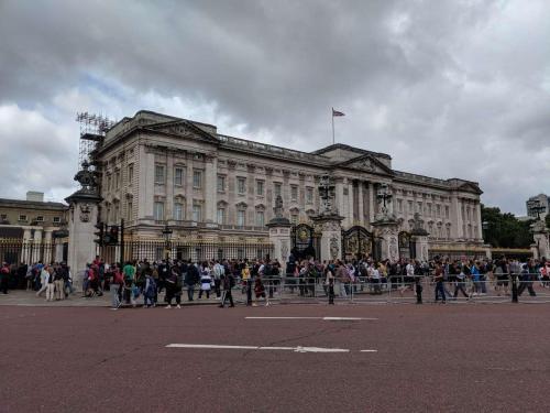London - Buckingham Palace Crowded